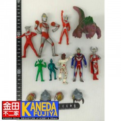 Special LOT! Ultraman Vynil SET of 13 Figures
